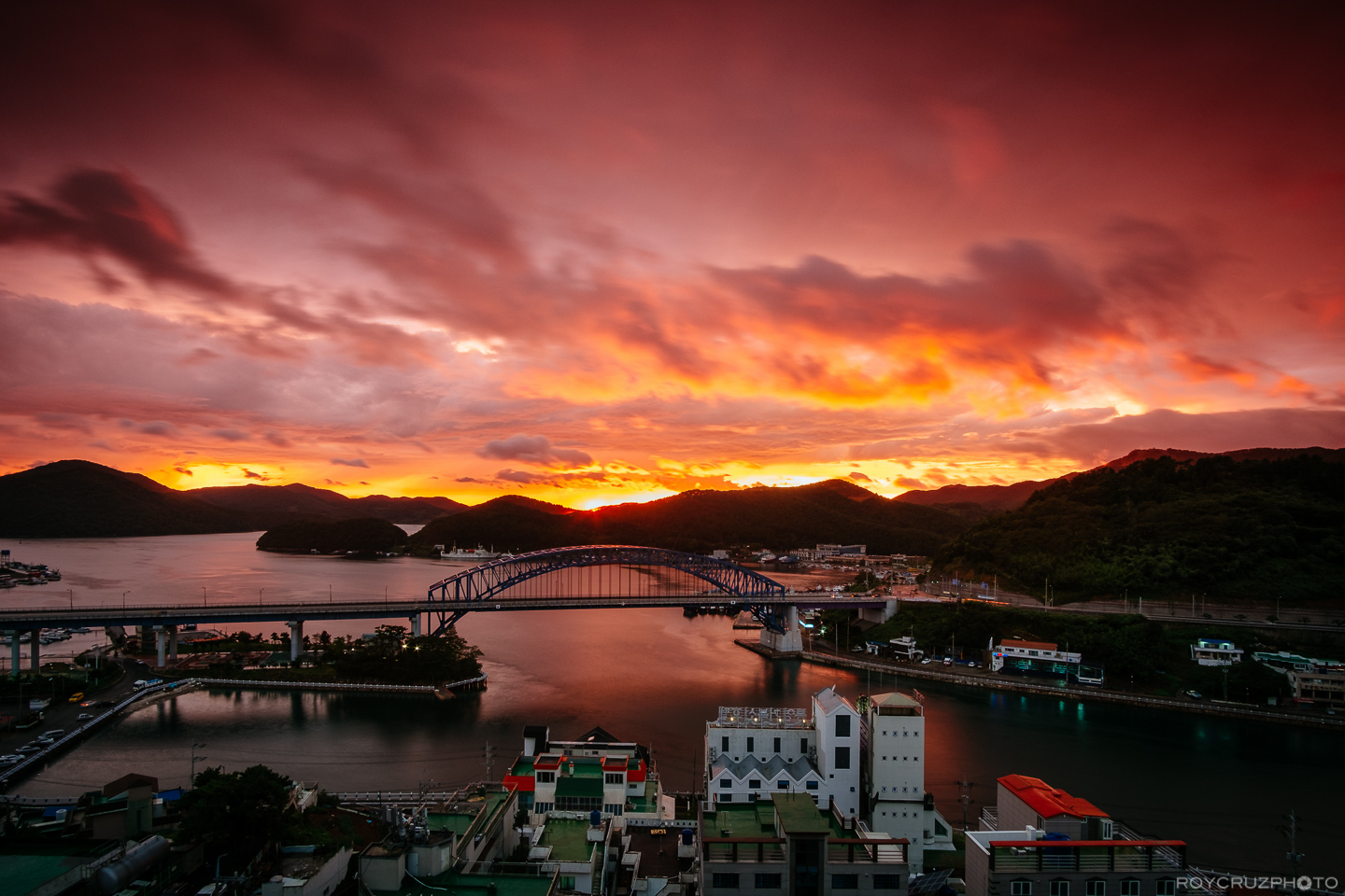 tongyeong-bridge-skyfire-1